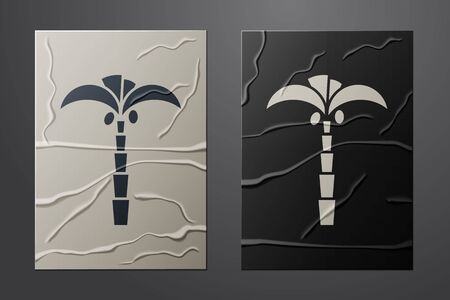 White Tropical palm tree icon isolated on crumpled paper background. Coconut palm tree. Paper art style. Vector Illustration Stock Illustratie