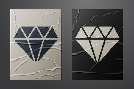 White Diamond icon isolated on crumpled paper background. Jewelry symbol. Gem stone. Paper art style. Vector Illustration 向量圖像