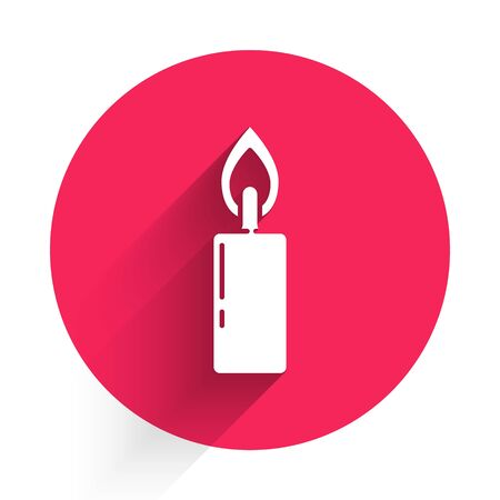 White Burning candle icon isolated with long shadow. Cylindrical candle stick with burning flame. Red circle button. Vector Illustration 版權商用圖片 - 144252065