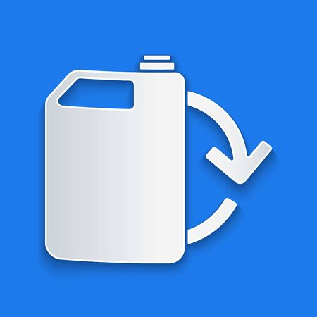Paper cut Eco fuel canister icon isolated on blue background. Eco bio and barrel. Green environment and recycle. Paper art style. Vector Illustration Stock Illustratie