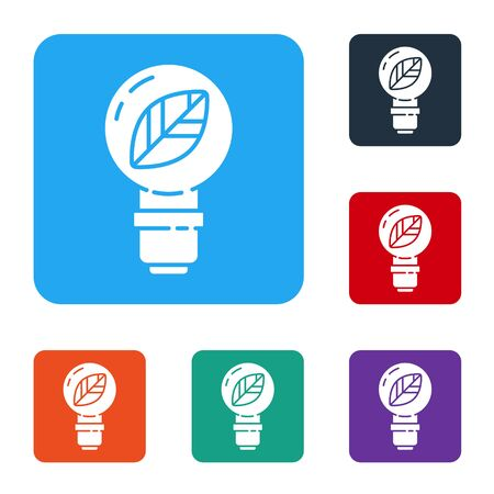 White Light bulb with leaf icon isolated on white background. Eco energy concept. Alternative energy concept. Set icons in color square buttons. Vector Standard-Bild - 147586329