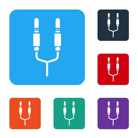 White Audio jack icon isolated on white background. Audio cable for connection sound equipment. Plug wire. Musical instrument. Set icons in color square buttons. Vector Stok Fotoğraf - 147586899