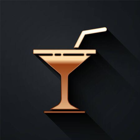 Gold Martini glass icon isolated on black background. Cocktail icon. Wine glass icon. Long shadow style. Vector. 向量圖像