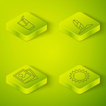 Set Isometric Surfboard, Photo, Sun and Cocktail and alcohol drink icon. Vector. Standard-Bild - 150266311