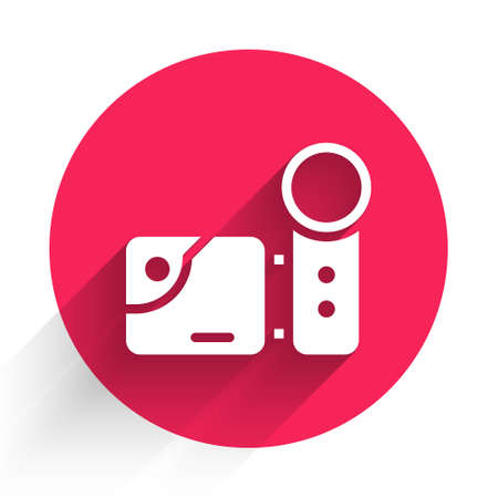 White Cinema camera icon isolated with long shadow. Video camera. Movie sign. Film projector. Red circle button. Vector Illustration. Çizim