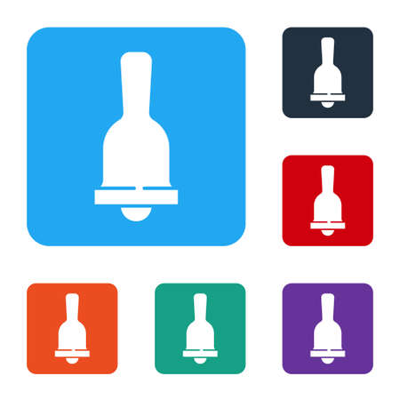 White Ringing bell icon isolated on white background. Alarm symbol, service bell, handbell sign, notification symbol. Set icons in color square buttons. Vector Ilustração