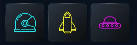 Set line Astronaut helmet, UFO flying spaceship and Rocket. Black square button. Vector Ilustração
