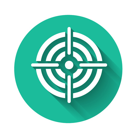 White Target sport for shooting competition icon isolated with long shadow. Clean target with numbers for shooting range or pistol shooting. Green circle button. Vector Illustration Çizim