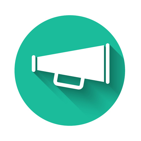 White Megaphone icon isolated with long shadow. Green circle button. Vector Illustration Banco de Imagens - 122995810