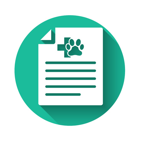 White Medical certificate for travel with dog or cat icon isolated with long shadow. Document for pet. Dog or cat paw print. Green circle button. Vector Illustration Standard-Bild - 122914582