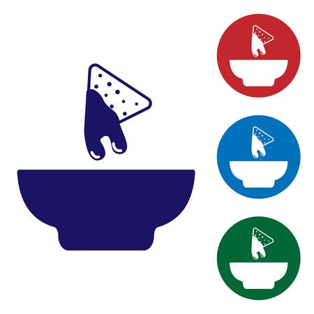 Niebieskie nachosy w płycie ikona na białym tle. Chipsy tortilla lub tortille nachos. Tradycyjne meksykańskie fast foody. Ustaw kolor ikony w przyciskach koła. Ilustracja wektorowa Ilustracje wektorowe