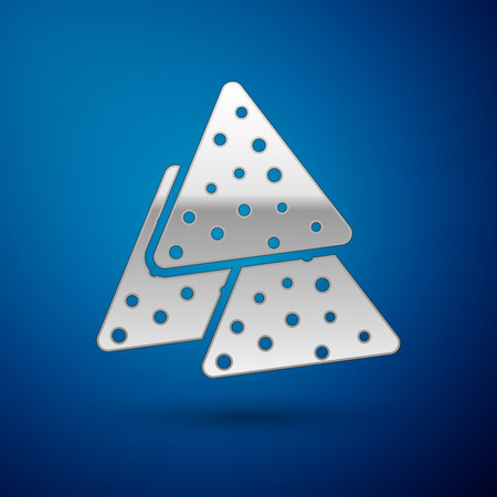 Silver Nachos icon isolated on blue background. Tortilla chips or nachos tortillas. Traditional mexican fast food. Vector Illustration 向量圖像