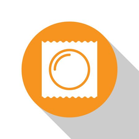 White Condom in package safe sex icon isolated on white background. Safe love symbol. Contraceptive method for male. Orange circle button. Vector Illustration Banque d'images - 125028846