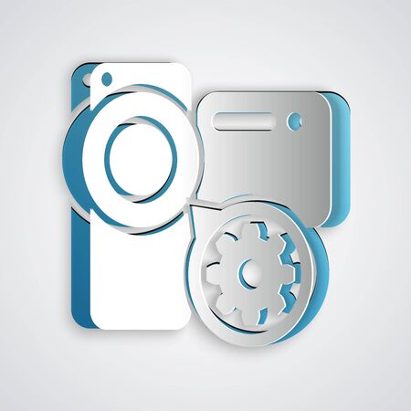 Paper cut Video camera and gear icon isolated on grey background. Adjusting app, service concept, setting options, maintenance, repair, fixing. Paper art style. Vector Illustration Ilustração