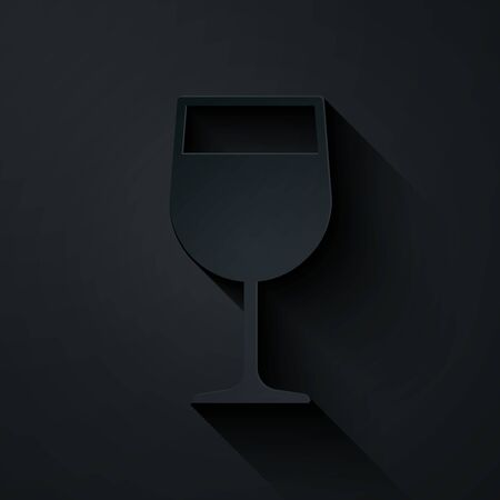 Paper cut Wine glass icon isolated on black background. Wineglass icon. Goblet symbol. Glassware sign. Paper art style. Vector Illustration Ilustração