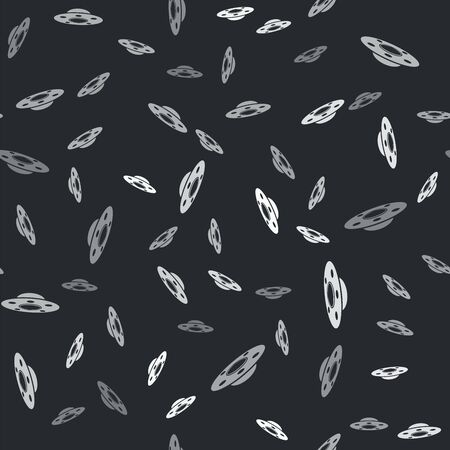Grey UFO flying spaceship icon isolated seamless pattern on black background. Flying saucer. Alien space ship. Futuristic unknown flying object. Vector Illustration 向量圖像