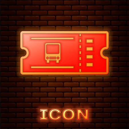 Icône de billet de bus néon lumineux isolé sur fond de mur de briques. Billet de transport en commun. Illustration vectorielle