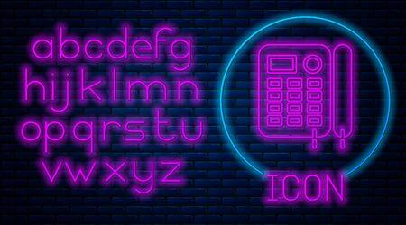 Glowing neon Telephone icon isolated on brick wall background. Landline phone. Neon light alphabet. Vector Illustration Foto de archivo - 136997509