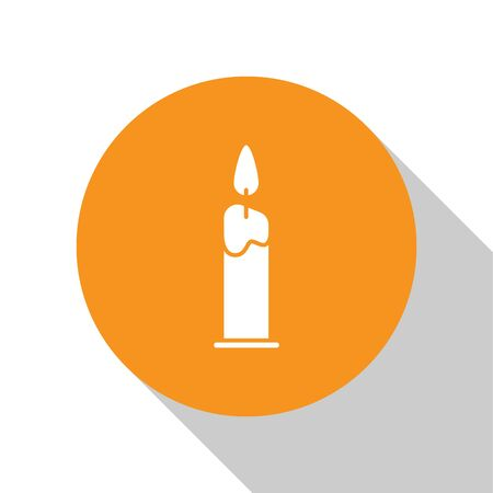 White Burning candle in candlestick icon isolated on white background. Cylindrical candle stick with burning flame. Orange circle button. Vector Illustration Иллюстрация