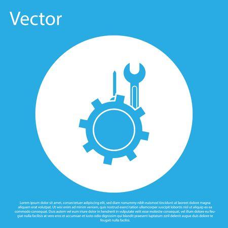 Chiave blu e cacciavite nell'icona dell'ingranaggio isolato su priorità bassa blu. Regolazione, assistenza, impostazione, manutenzione, riparazione, fissaggio. Pulsante cerchio bianco. illustrazione vettoriale Vettoriali