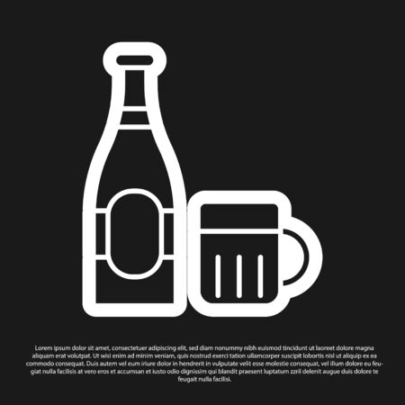 Black Beer bottle and glass icon isolated on black background. Alcohol Drink symbol. Vector Illustration Foto de archivo - 138198590