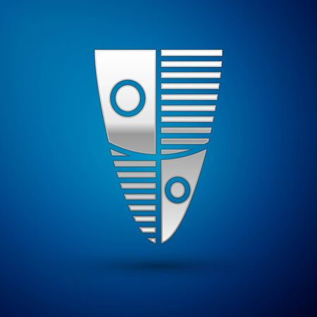 Silver Shield icon isolated on blue background. Guard sign. Security, safety, protection, privacy concept. Vector Illustration Ilustração