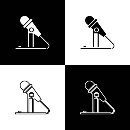 Set Microphone icon isolated on black and white background. On air radio mic microphone. Speaker sign. Vector Illustration Foto de archivo - 138470044