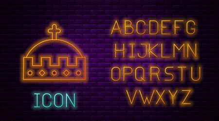 Glowing neon line King crown icon isolated on brick wall background. Neon light alphabet. Vector Illustration Vetores