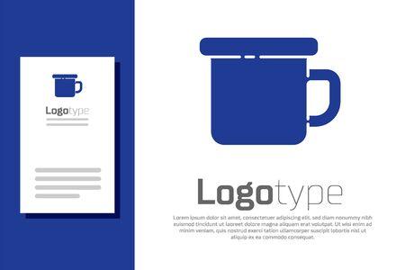 Blue Camping metal mug icon isolated on white background. Ilustracja