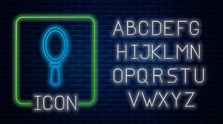 Glowing neon Hand mirror icon isolated on brick wall background. Neon light alphabet. Vector Illustration Vettoriali