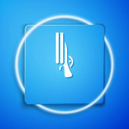 White Shotgun icon isolated on blue background. Hunting gun. Blue square button. Vector Ilustração