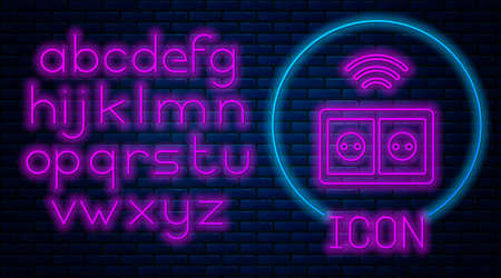 Glowing neon Smart electrical outlet system icon isolated on brick wall background. Power socket. Internet of things concept with wireless connection. Neon light alphabet. Vector. Stock Illustratie
