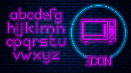 Glowing neon Microwave oven icon isolated on brick wall background. Home appliances icon. Neon light alphabet. Vector Illustration. Ilustrace