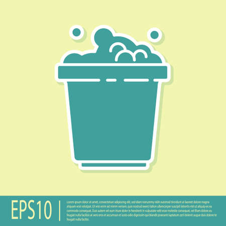 Green Bucket with soap suds icon isolated on yellow background. Bowl with water. Washing clothes, cleaning equipment. Vector Illustration Stock Illustratie