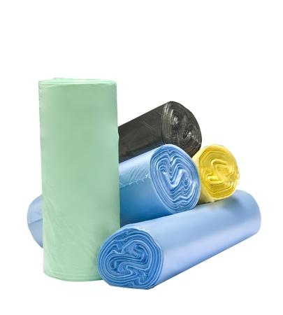 envases plasticos: muchas bolsas de basura biodegradables de colores