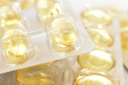 pilule: iluminado de h�gado de bacalao amarillas p�ldoras transparentes