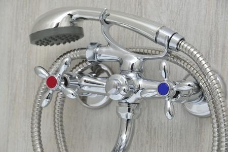 シャワー 付き 蛇口