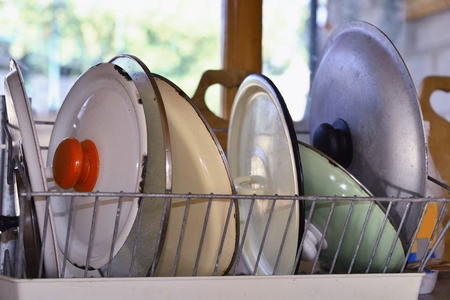 drying: wash-up and drying  kitchenware