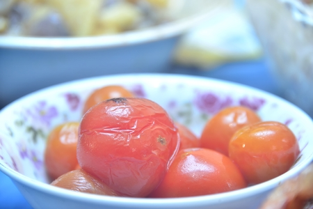 red marinated whole  tomatoes in plate Reklamní fotografie