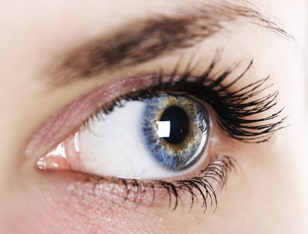 close-up womans eye (shallow DoF)