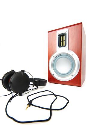 headphones and speaker photo