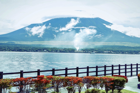 lack of water: Mountain fuji and Lake ,the most famous place in Japan to traveling.