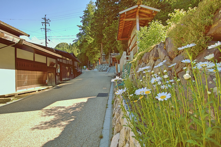 Narai  is a  small town in Nagano Prefecture Japan ,The old  town provided a pleasant walk through about a kilometre of well preserved buildings. Imagens