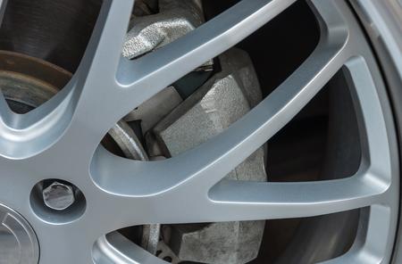 alloy wheel: Disk brake with alloy wheel