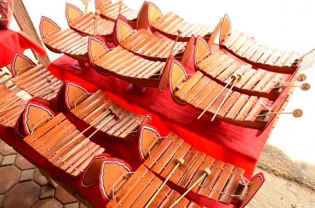 gamelan: Gamelan instruments