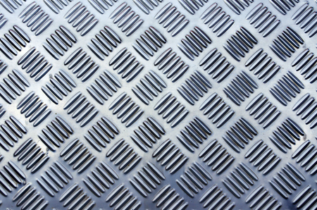 non: Non slip steel grating