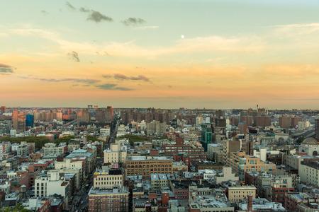 Aerial view of New York sky craper cityscape at sun set 版權商用圖片