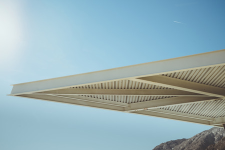 Palm Springs Modern Architecture as an element in the image with blue sky background. 版權商用圖片