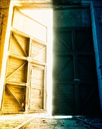 depot: big depot door