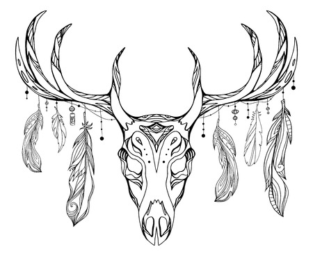 Contour illustration of a deer skull with antlers and feathers with boho pattern. Vector doodle element for printing on T-shirts, tattoo sketch, postcards and your creativity Stock Illustratie